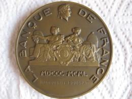Médaille 150 Ans De La Banque De France 1800 1950 Attribué Par DUMAREST - Non Classés