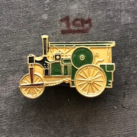 Badge Pin ZN007307 - Automobile (Car) Showman's Road Locomotive - Other