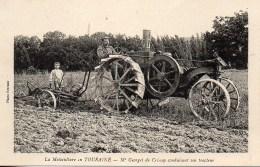 37 La Motoculture En TOURAINE  : Mr Geoget De CRISSAY Conduisant Son Tracteur - Tracteurs