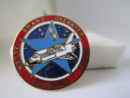 PIN'S    COLUMBIA  Egf - Space
