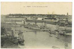 CPA 29 BREST LE PORT DE GUERRE ET LA VILLE - Brest