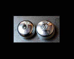 Lot Art Déco D'origine: 2 Interrupteurs Identiques Porcelaine Et Métal / Vintage Art Deco Electrical Ceramicswitches - Lamps