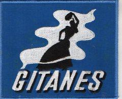 E03 - Tabac - Ecusson 15 X 12,5 - Gitanes ( Cigarrette ) Course Automobile - Ecussons Tissu
