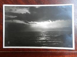 18507) ITALIA LOCALITA' DA IDENTIFICARE FOTO ARTISTICA TRAMONTO SUL MARE NON VIAGGIATA - Cartoline