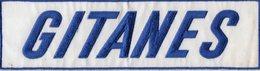 E04 - Tabac - Ecusson 28,5 X 7,5 - Gitanes ( Cigarrette ) Course Automobile - Ecussons Tissu