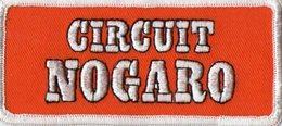 E09 - Sport Automobile - Ecusson 12 X 5,5 - Voiture De Course - Circuit NOGARO - Ecussons Tissu