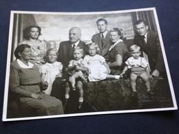 FAMILIE - SUESSE KINDER - SPIELZEUG - MOERS - PHOTO STEIGER - 1951 - Identifizierten Personen