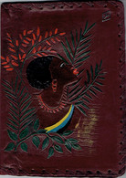 """Porte-documents En Cuir Richement Décoré (Femme Noire Dans Végétation) Siglé """"Y"""" - Autres"""