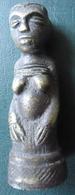 FEMME A GENOUX - KONGO - Bronze Massif (cire Perdue) - African Art