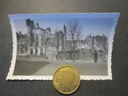 Le Havre - Photo Originale - Carrefour Rue Thiers à Gauche Banque De France Et   - Bombardement 5 Septembre 1944 - TBE - - Places
