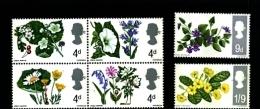 GREAT BRITAIN - 1967  FLOWERS  PHOSPHOR  SET  MINT NH - 1952-.... (Elisabetta II)