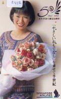 Télécarte  JAPON * SINGAPORE AIRLINES (2412) FEMME STEWARDESS * AVIATION * AIRLINE Phonecard JAPAN  AIRPLANE * FLUGZEUG - Avions