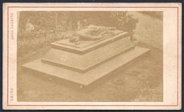 Reims Tombe Abbé Eugène Charles Miroy Curé De Cuchery Au 19 ème Siècle Mort En 1871 - Ancianas (antes De 1900)