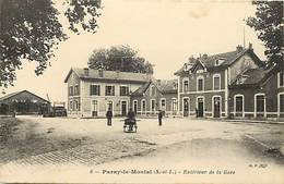 - Saone Et Loire - Ref-A758 - Paray Le Monial - Exterieur De La Gare - Gares - Petit Plan Panneau Entree Des Pelerins - - Paray Le Monial