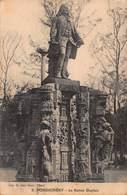 CPA PONDICHERY - La Statue Dupleix - Inde