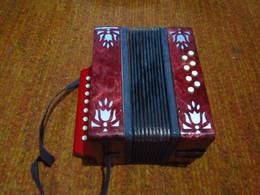 VINTAGE USSR Children's Accordion Harmonica - BOX - 1970 S - Instruments De Musique