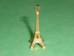 Fèves / Pays / Régions : Tour Eiffel OR , Pendentif  T9 - Countries