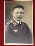 Foto AK Portrait WW2 Soldat Mit Uniform Luftwaffe Reichsadler Hakenkreuz 1943 Elsterwerda - Divise