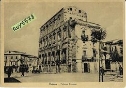 Abruzzo-chieti-ortona Palazzo Farnese Veduta Vecchio Camioncicino Persone Animata Anni 40 - Italia