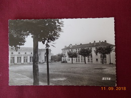 CPSM - Montmagny - Place Des Fêtes - France