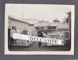 NOGENT LE ROTROU 1930/40 - Photo Originale Du Stand De Mr Ch. TOUSSAINT MAURY Matériaux De Construction ( Eure Et Loir ) - Lieux