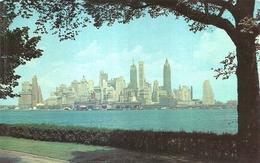 "988 ""LOWER MANHATTAN FROM GOVERNOR'S ISLAND -NEW YORK CITY  "" CARTOLINA POSTALE ORIG.  NON SPED. - Viste Panoramiche, Panorama"