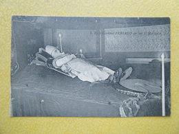 AUTUN. Le Cardinal Perraud Sur Son Lit Mortuaire. - Autun