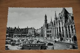 4094- Brugge  Bruges, Grote Markt - 1958 / Bus / Auto / Car - Brugge