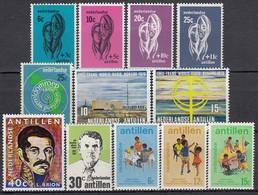 NL-Antillen 1967-1974 - Lot Mit Einzelmarken Und Kompl. Sätzen **/MNH - Antillen