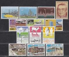 NL-Antillen 1974-1977 - Lot Mit Einzelmarke Und Kompl. Sätzen **/MNH - Antillen