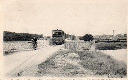 88Sv   14 Courseulles Sur Mer Passage Du Tramway Sur Le Pont De L'ile De Plaisance - Courseulles-sur-Mer