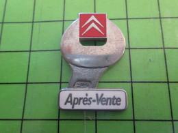 1318a Pin's Pins / Rare Et De Belle Qualité / AUTOMOBILES : CITROEN SERVICE APRES-VENTE Par AMC - Badges