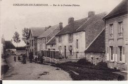 02 COULONGES EN TARDENOIS -- Rue De La Fontaine Pélerise Animée En 1916 - France