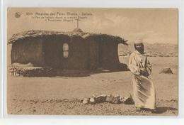 Algerie - Le Père Foucauld Devant Sa Première Chapelle A Tamanrasset ( Hoggar ) Sahara Missions Des Pères Blancs - Altre Città