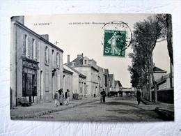 LA ROCHE Sur YON - Boulevard Des Marchandises Animation Devanture Buvette épicerie - La Roche Sur Yon