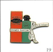 Pin's Mode / Beauté - Parfum / Hermès Eau De Cologne. Estampillé Sofrec. Zamac Fin. T533-19 - Perfume