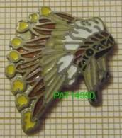 COIFFE D'INDIEN D' AMERIQUE  Sioux, Cheyenne, Cherokees, Iroquois, Apache, Navajo, Comanche En Version EGF - Pin's
