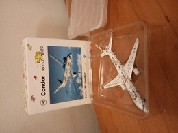 """Herpa 1:500 Boeing 757 Condor """"Rizzi Bird"""" (with Original Packing Box) - Airplanes & Helicopters"""