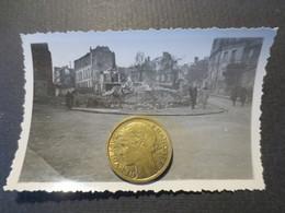 Le Havre - Photo Originale -angle De La Rue G . Flaubert Et Rue Emile Encontre - Bombardement 5 Septembre 1944 - TBE - - Places