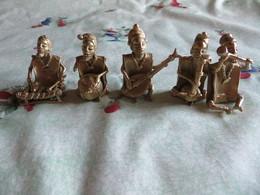 STATUETTES AFRICAINES  MUSICIENS De La CÔTE D' IVOIRE - LOT De 5 Statuettes Artisanales ( Pas Courant ) VOIR SCANS - Afrikaanse Kunst