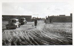 88Sv  50 Quinéville Arrivée à La Plage Tacots 4CV - Autres Communes