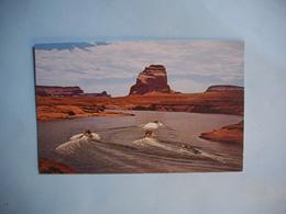 LAKE POWEL In The Glen Canyon  -  Arizona  -  Etats Unis - Lake Powell