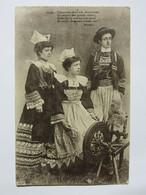 Costumes Bretons : Conservez Dans Vos Chaumières (...) Soyez Forts Comme Vos Pères Et Soyez Chrétiens Comme Eux ! Botrel - Costumi