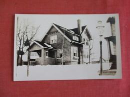 RPPC  House  To ID Location  --  Ref 3068 - Postcards