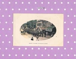 33 BLAYE 14 JUILLET L' ARRIVEE DE LA COLONNE CAFE DES SPORTS  ( Carte Colorisée ) - Blaye