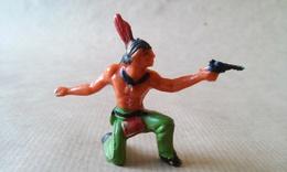 FIGURINE INDIEN A Genou Avec Revolver JIM - Army