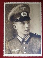 Foto AK Portrait WW2 Soldat Mit Uniform Mütze Reichsadler Hakenkreuz Ca. 1940 Würzburg - Uniformen