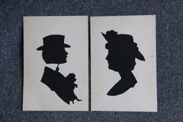2 CPA Représentant Des Silhouettes D'un Homme Avec Un Petit Chien Et Une Femme. - Couples