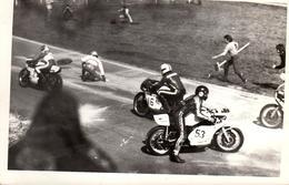 Photo Originale Sport Moto - Circuit De Rouen-les-Essarts En 1974 - Action Dans L'Accident De Course Moto Du 31.03.1974 - Cycling