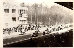 Photo Originale Sport Moto - Circuit De Rouen-les-Essarts En 1974 Trophée Gallia-Rouen, Stand Berger BP Grille De Départ - Sports